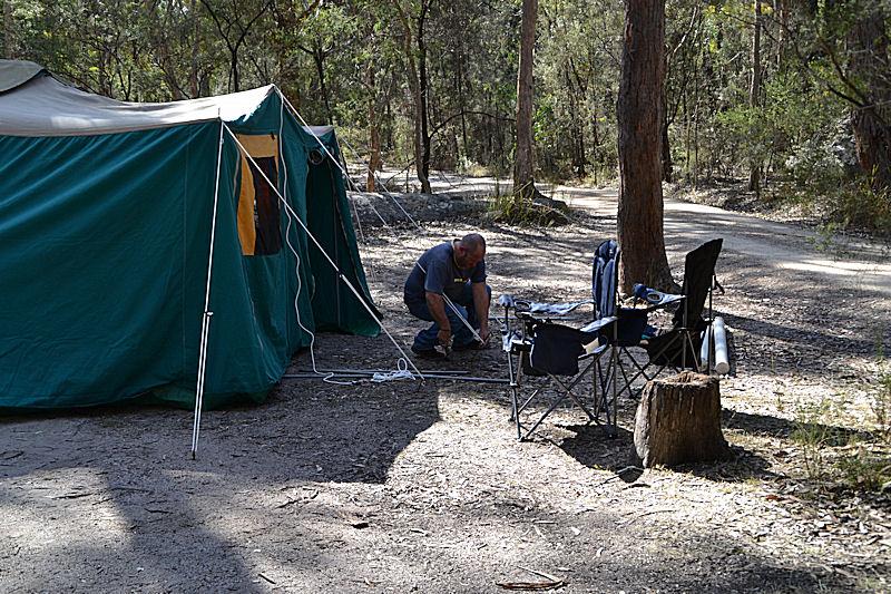 nomad tent motorcycle dewdrop tents. Black Bedroom Furniture Sets. Home Design Ideas